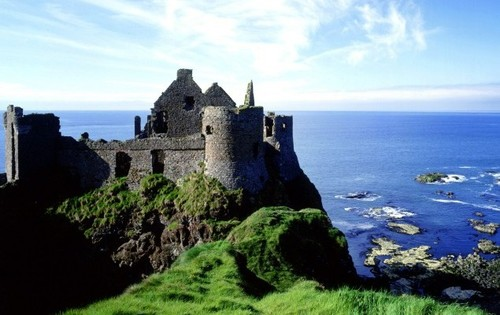Castle in Ireland - Picture to help promote the language jobs that Careertrotter has in Ireland - Work in Ireland - Jobs in Ireland