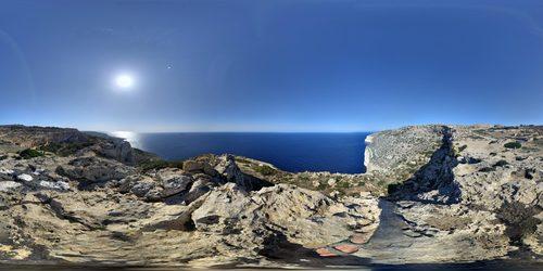 Küstenlandschaft auf Malta - Leben und Arbeiten im Ausland