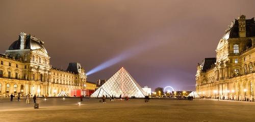 Het Louvre - werken in Frankrijk