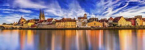 Stadt an Fluss in Deutschland - Leben und Arbeiten im Ausland