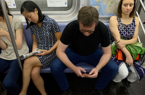 manspreading-transport-tube-seating-travel-commute