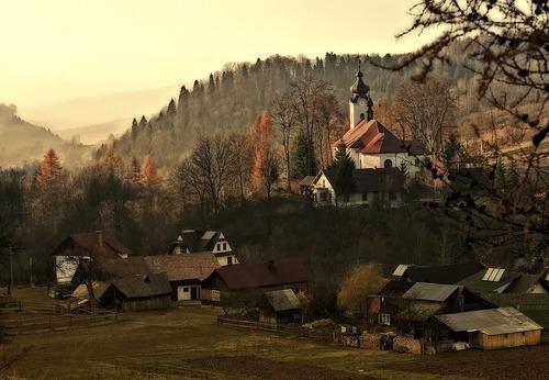 Dorp in de bergen - Werken in Polen