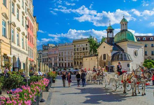 Platz in Krakau - Leben und Arbeiten in Polen