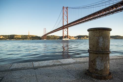 Brücke des 25. April Lissabon - Leben und Arbeiten in Portugal